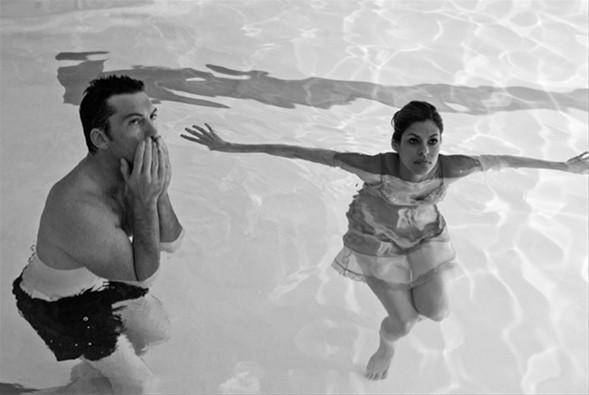 Keira Knightley, Eva Mendes, Sam Worthington ve Guillaume Canet'nin oynadığı 'Last Night'ın hiç görülmemiş kamera arkası görüntüleri yayımlandı.