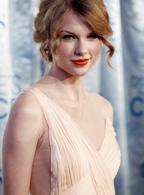 7- Taylor Swift
