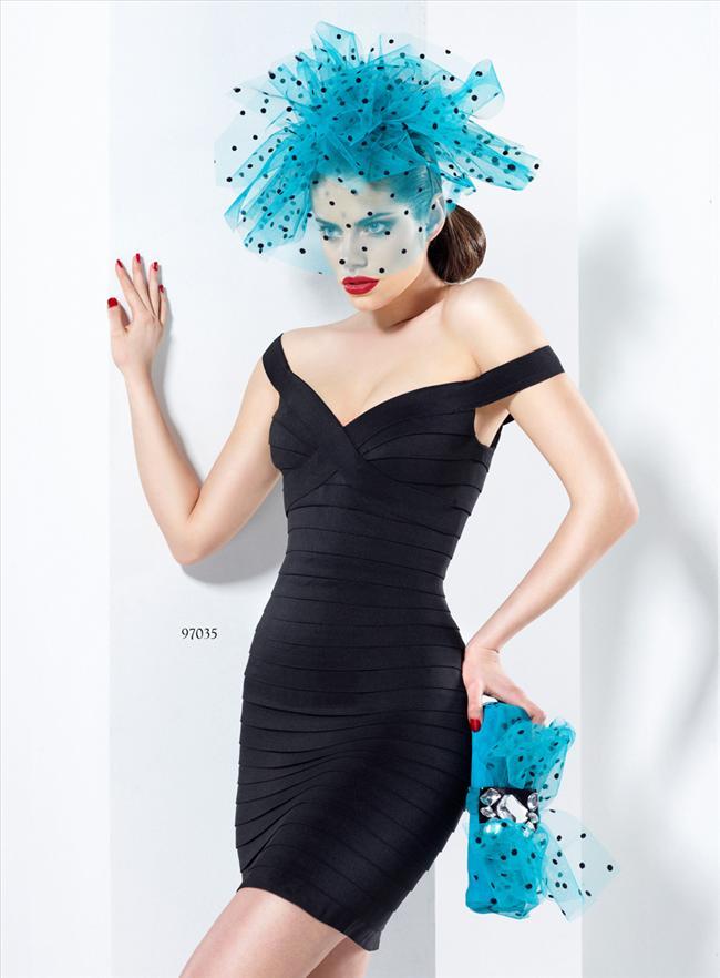 Koleksiyonda yer alan kısa modellerde ise kalıp elbiseler ön plana çıkarken, ağırlıklı renkleri pudra, kemik, siyah ve kırmızı oluşturuyor.