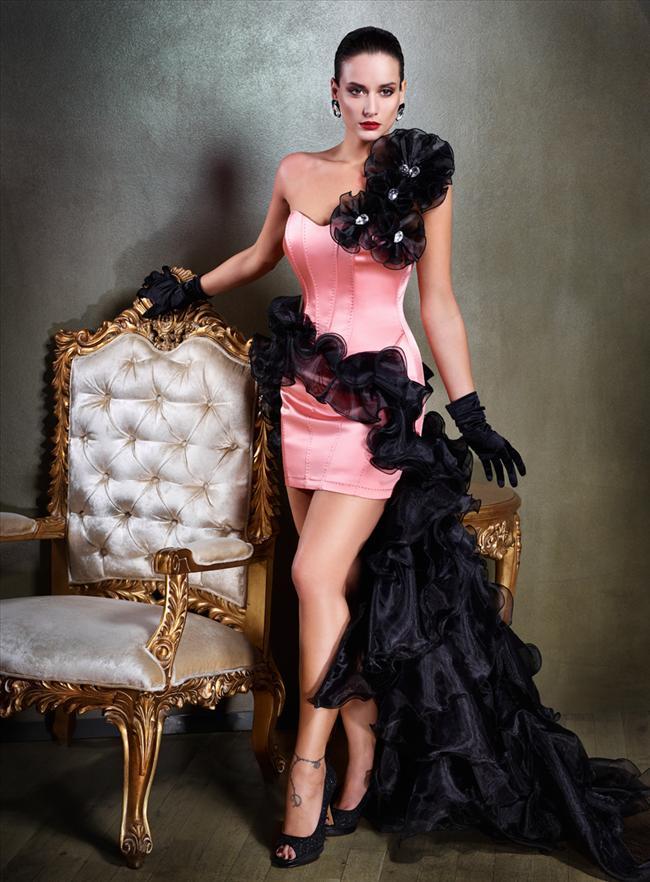Tarık Ediz Abiye özel kreasyonlarıyla 2011 yılında da fark yarattı.   Damla Ediz imzalı haute couture özeninde, tüm bedenlere hitap eden tasarımlar göz dolduruyor.