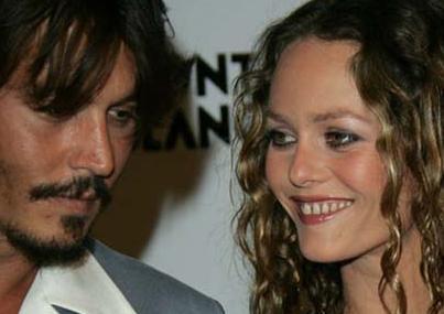 Paradis, ünlü aktör Johnny Depp ile uzun süredir birlikte.