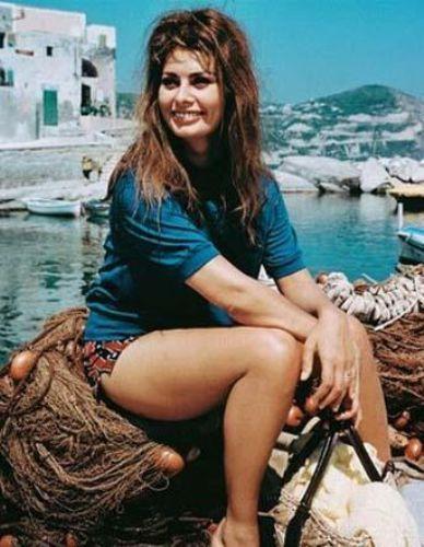Sophia Loren döneminin en güzel kadınlarından biriydi.