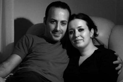 Tolga Çevik ise Cem Yılmaz'ın kardeşi Özge ile evli. Çiftin iki çocuğu var.