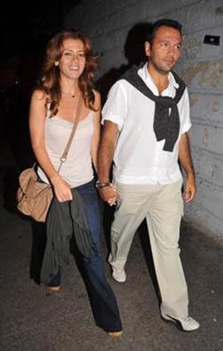 Bahadır gerçek hayatta usta aktör Kemal Sunal'ın oğlu Ali Sunal ile evlenmek üzere.