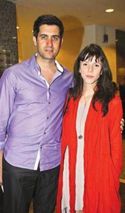 Gerçek hayatta Mehmet ali Alabora ile evli.