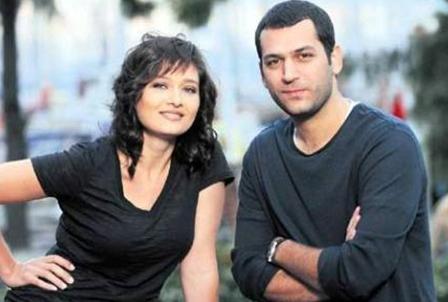 Aşk ve Ceza'da Yasemin ile Murat bir türlü kavuşamıyorlar ve aşkları da alevleniyor.