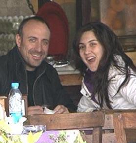 Feraye'yi oynayan Bergüzar Korel gerçek hayatta Halit Ergenç ile evli.