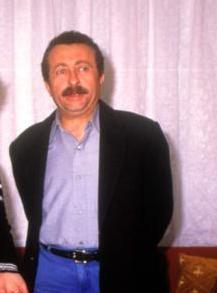 Erkan Can, 90'larda böyle görünüyordu.