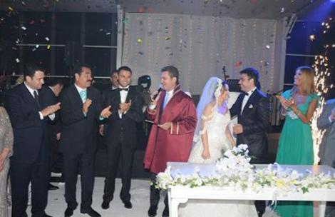 Alişan kardeşini kendi elleriyle evlendirmişti..