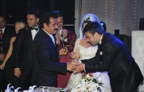 Düğüne İbrahim Tatlıses de katılmıştı.