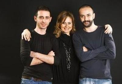 Esra, Sarp ve Kaya Akkaya kardeşler. Üçü de oyuncu...