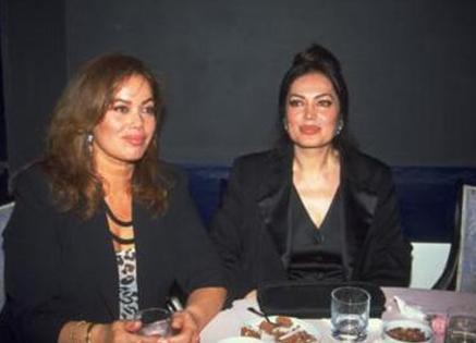 Nazan ve Türkan Şoray.