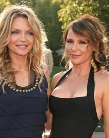 Michelle Pfeiffer ve kızkardeşi Dedee