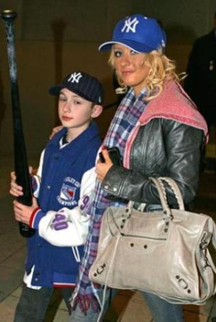Christina Aguilera ve kardeşi Mikey