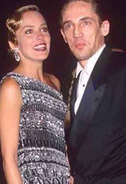 Michael Stone, Sharon Stone'un kardeşi.
