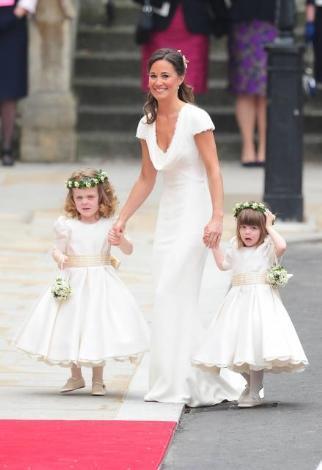 Prens William ile evlenen ablası Kate Middleton'ın düğününde en az gelin kadar dikkatleri üzerine çekti Pippa..