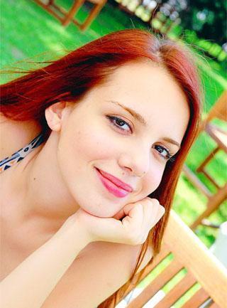 1986 doğumlu Selen Soyder de tescilli güzellerden.
