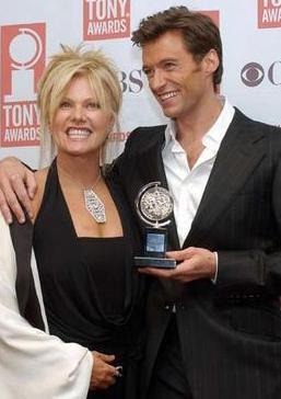Jackman ile kendisinden 13 yaş büyük olan eşi 1996'dan bu yana evli.