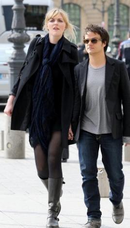 Sophie Dahl 1. 80 cm boyunda. Caz piyanisti sevgilisi Jamie Cullum ise sadece 1.68 cm. Dahl sevgilisinden iki yaş daha büyük.