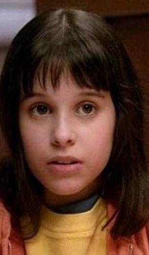 Lacey Chabert  Party of Five ile küçük bir çocukken üne kavuştu.