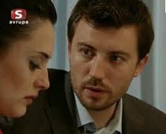 1981 doğumlu Güleç, Kırık Kanatlar, Hatırla Sevgili, Gece Gündüz gibi dizilerde de rol aldı.