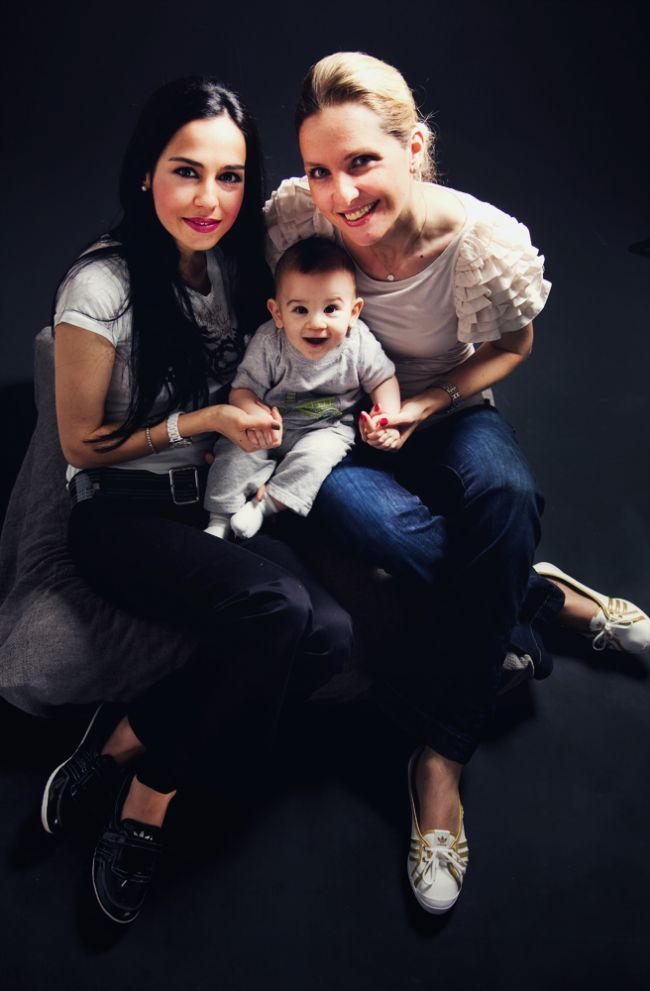 Baran, annesi Ebru Ramazanoğlu ve Billur Uyar ile...