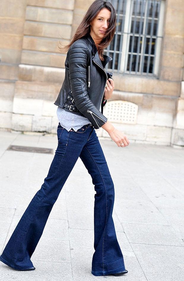 Bu pantolonları giymenin en şık yollarından biri.... Pantolon ayrı bir güzel ama biz deri cekete de bayıldık.