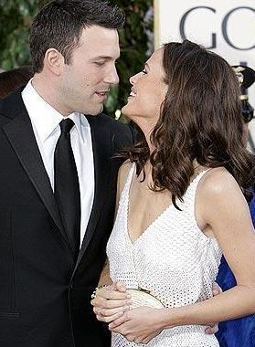 Ben Affleck ve Jennifer Garner kırmızı halıda tam birer yıldız.