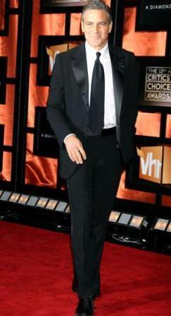 George Clooney, iş gereği her zaman şık.