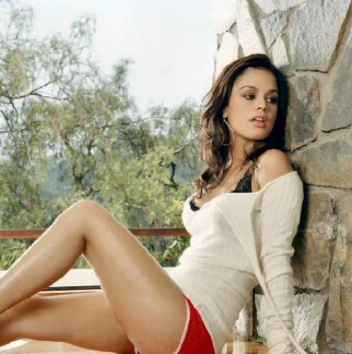 Rachel Bilson, Hollywood'un güzel yıldızlarından biri.