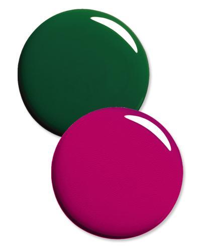 Renk blokaj manikür nasıl yapılır?  1. Magenta rengi için önerimiz Estee Lauder nail lacquer in Purple Passion. Tırnağınıza sürün ve kurumasını bekleyin.   2. French uygulaması bu sefer tırnağınızın alt kısmına uygulanacak.  3. Revlon Top Speed nail enamel in Emerald yeşil ojeyi de tırnağınızın altı kısmına sürün.