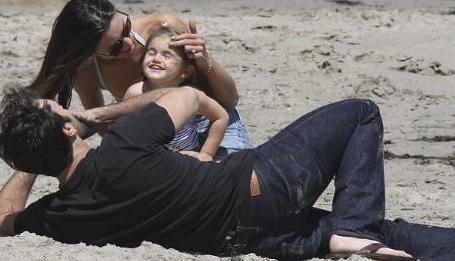 Aile geçen hafta sonunu Malibu sahillerinde eğlenerek geçirdi.