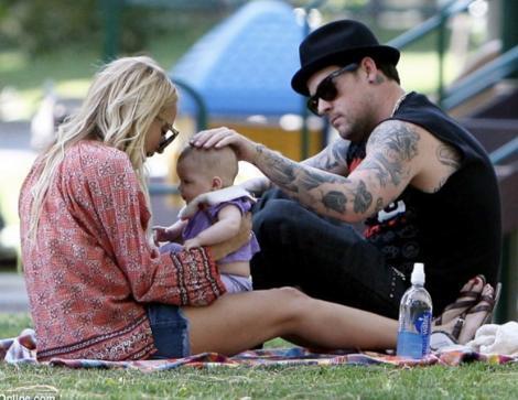 Richie ve eşi Joel Madden sık sık iki çocuklarıyla birlikte parklarda oynarken görüntüleniyor.
