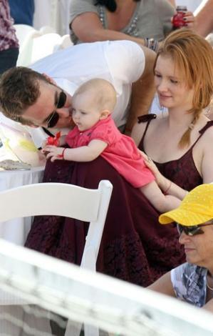 James Van Der Beek ve ailesini de kameralar çok seviyor.