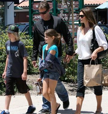 Cindy Crawford ve eşi Rendy Gerber nereye gitseler kameralar da onların peşinde.