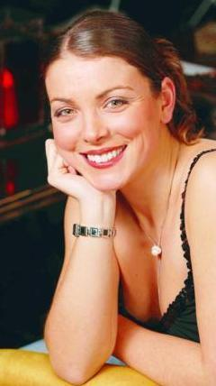 Özberk; dizi ilk 5 bölümden sonra yayından kalkmasına rağmen 13 bölümlük anlaşma imzaladığı için oynamadığı 8 bölümün parasını da almak için dava açtı.