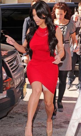 Kim Kardashian'ın korsesi göründü.