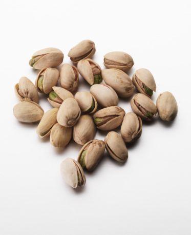 Çam fıstığı:  Bol E vitamini içeren çam fıstığı, cinsel tükenme ve buna bağlı ortaya çıkan ruhi çöküntü ve kalp rahatsızlıklarına iyi geliyor.  Antep fıstığı:  Protein ve bol E vitamini içeren Antep fıstığı da cinsel arzuyu uyarıyor.  Susam:  Cinsel isteği artırıyor.  Kaynak: Habertürk