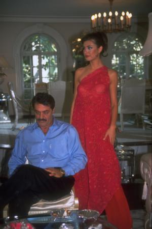 MOTİVASYON MESAJLARI PAHALIYA PATLADI   Yine 2000'lerin başıydı... Türk sinemasının efsane aktörlerinden Kadir İnanır. TV'lerde ilgiyle izlenen bir dizide başrol oynuyordu.