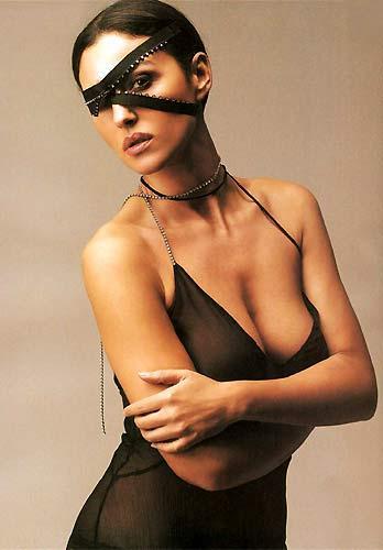 Monica Bellucci'den seksi pozlar.. - 9