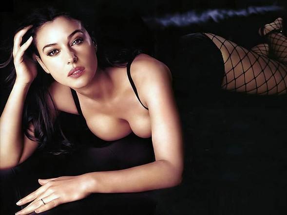 Monica Bellucci'den seksi pozlar.. - 24