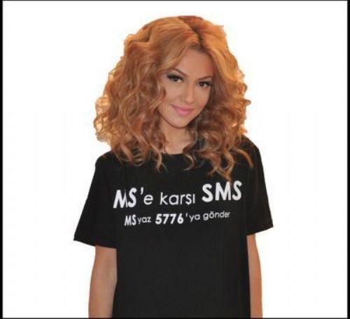 ÇIPLAK POZLARIMDAN PİŞMAN DEĞİLİM Türkiye'yi 2009 yılında Eurovision Şarkı Yarışması'nda temsil eden Hadise de o sıralarda bir dergide yayınlanan erotik pozlarla gündeme gelmişti.