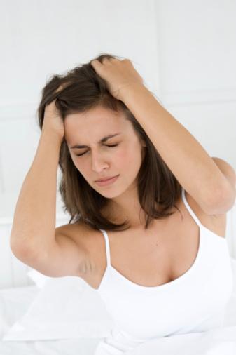 Kusma ve ateş olmuşsa Geceleri ağrıyla uyanılıyorsa   İlk kez 50 yaşından sonra ortaya çıkmışsa  Ağrı baş bölgesine alınmış bir darbe veya kaza sonrası ortaya çıkmışsa  Şu ana kadar başınızın hiç böyle ağrımadığını düşünüyorsanız.