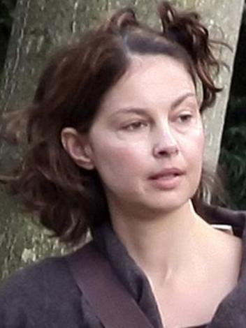 Ashley Judd genellikle objektiflere öyle yansımazdı..