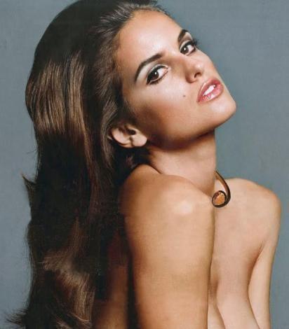 MANAVDA KEŞFEDİLDİ  Dünyanın en güzel mankenlerini çıkaran Brezilya'nın bir başka güzeli de Izabel Goulart.