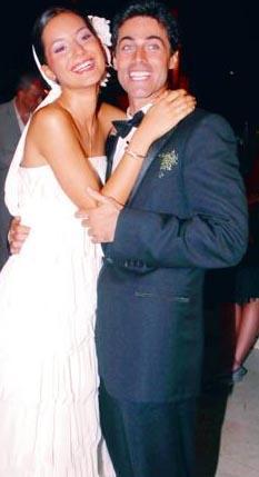 SEDEF AVCI- KIVANÇ KASABALI   2001'de Miss Turkey güzellik yarışmasına katılan Sedef Avcı ve eşi model Kıvanç Kasabalı'yla bu yarışmada tanıştı. Ama evlenme kararını hemen almadılar.