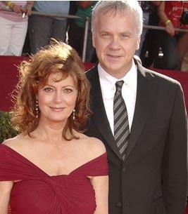 Sarandon ve Robbins, Hollywood'un örnek evliliklerinden birinin kahramanı olarak gösteriliyor.