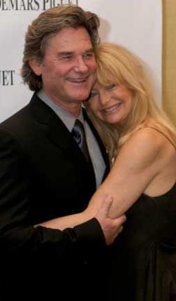 Hollywood'un en uzun süreli nikahsız birliktelik yaşayan çifti olan Russell ve Hawn hala birbirlerine aşık.