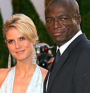 HEIDI KLUM- SEAL   Alman model Heidi Klum, İngiliz şarkıcı Seal'i ilk kez 2003 yılında New York'ta gördüğünü söylüyor.