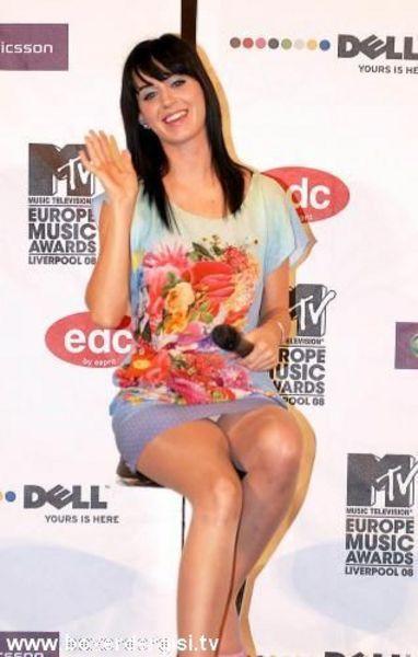 Katy Perry frikik